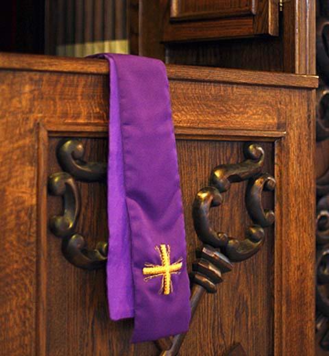 Znalezione obrazy dla zapytania konfesjonał